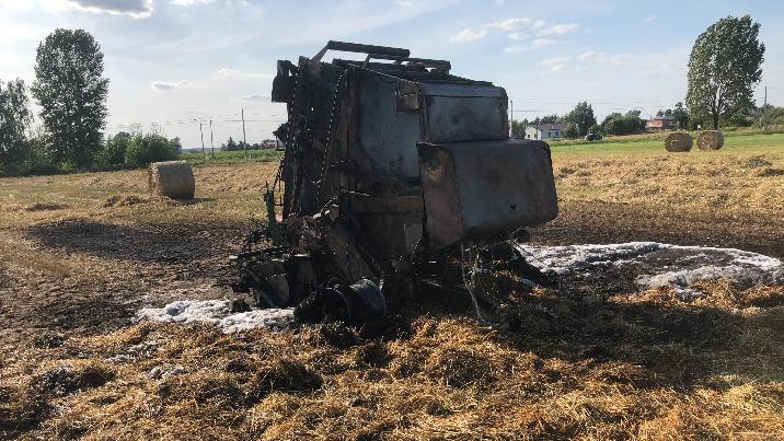 Pożary zboża na pniu, słomy oraz pożar kombajnu i prasy rolniczej