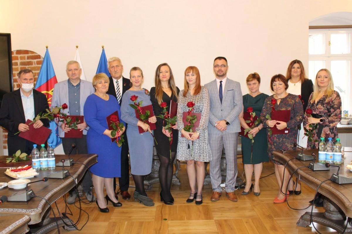 Koło. Nauczyciele otrzymali nagrody burmistrza miasta