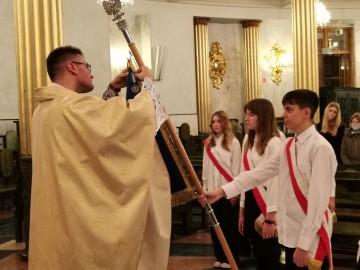Szkoła Podstawowa w Wysokiem z medalem św. Jana Pawła II