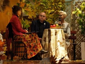 Spotkanie z hrabią w Szkole Podstawowej nr 1. W otoczeniu złotej, polskiej jesieni