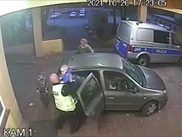 Policyjna eskorta do szpitala. Udało się uratować dwoje dzieci
