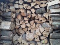 Drewno kominkowe suche.