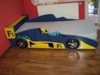 łóżko auto