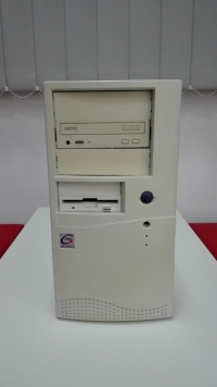Komputer AMD 1800 GHz/1 GB Ram/HDD 40 GB /FX5500