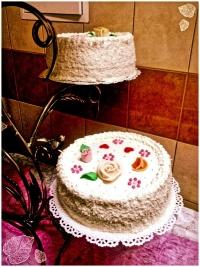 Catering oraz obsługa imprez okolicznościowych (np.wesela).