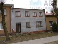 Golina, ul. Kościelna- dom parterowy z poddaszem użytkowym