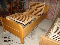 Ładne dębowe łóżka rehabilitacyjne sterowane pilotem