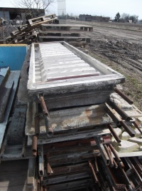 Formy do ogrodzeń betonowych, podkłady, betoniarnia, silos