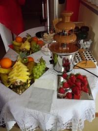 Fontanna czekoladowa - atrakcja na przyjęcia