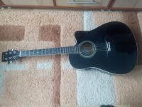 Gitara klasyczna z wejściem na piecyk