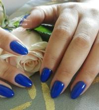 Stylizacja paznokci, manicure hybrydowy