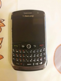 Telefon BlackBerry 9300 Curve