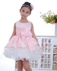 Sprzedam sukienke okazjonalna r.134