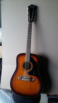 Sprzedam  gitare  12  strunowa firmy Framus dwa napęknięcia