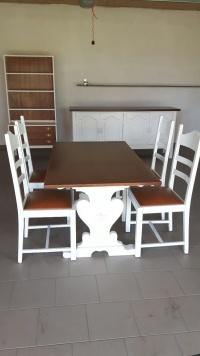 Sprzedam stół z krzeslami