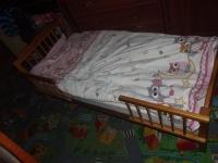 Łóżko łóżeczko drewniane dziecięce z materacem 180 zł