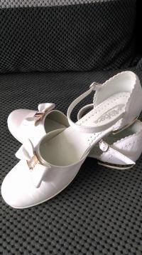 Alba, buty i dodatki dla dziewczynki