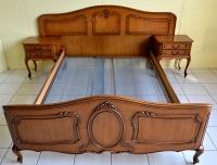Łóżko plus dwie szafki nocne