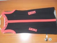 Sukienka czarna z dodatkami czerwieni rozm.42-44