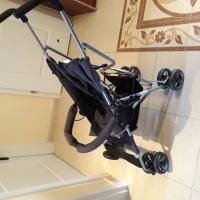 Sprzedam  używany  wózek  spacerowy  firmy  Barton  Moby  Sy