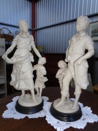 figury z alabastru - meble holenderskie U Tomka, Mielnica