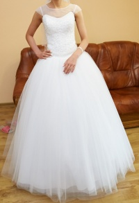 Piękna Suknia ślubna + welon + koszulka + halka