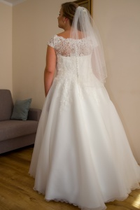 Piękna Suknia Elizabeth Passion