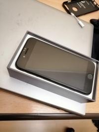 Sprzedam Iphona 8 Space Grey 64Gb w bardzo dobrym stanie