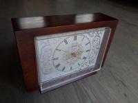 Zegar antyczny VESNA na komodę lub kominek.