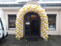 Weselna brama z balonów łuk z balonów girlanda balonowa hel