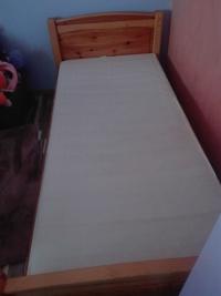Zestaw łóżko i biurko sosnowe
