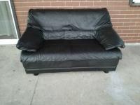 Sprzedam sofę ze skory