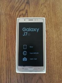 Sprzedam Samsunga galaxy J7 (6) bez blokady złoty 5,5 LTE
