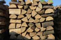 Drewno Kominkowe Sezonowane  Konin i okolice