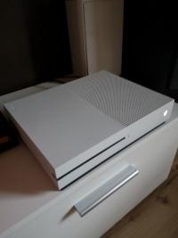 Xbox one s Gwarancja!!! Pad + 2 gry