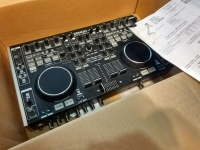Konsoleta konsola Denon mc6000