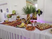 stół owocowy, fontanna czekoladowa