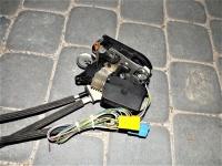 Zamek drzwi przesuwnych Mercedes Vaneo W414 tył tylny lewy