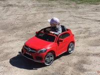 Sprzedam pojazdy elektryczne dla dziecka mercedes i piaggio