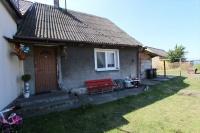 Mały domek na wsi koło Goliny
