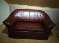sprzedam tanio 2-osobową sofę z eko skóry