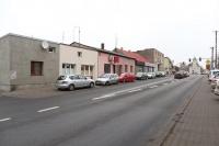 Sprzedam lokal położony na parterze w Centrum Skulska