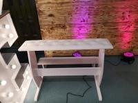 Klęcznik , krzesła tapicerowane do kościoła , dla młodych