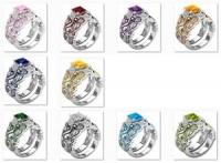 10 pierścionków z kamieniami