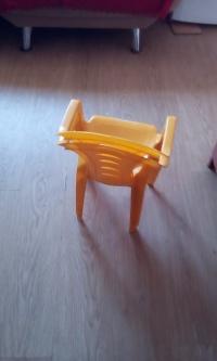 Krzesełka plastikowe