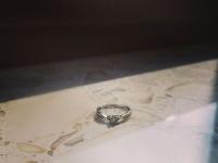 Pierścionek zaręczynowy na sprzedaż