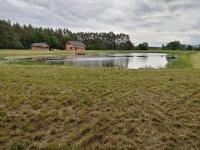 Sprzedam dom w budowie + staw o powierzchni 1,1600 ha!