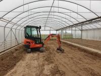 Usługi minikoparką w rolnictwie i ogrodnictwie