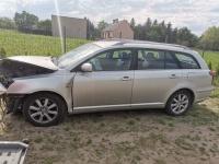 Toyota Avensis na czesci