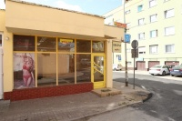 Sprzedam lokal na parterze w Centrum Konina, 185.000 zł